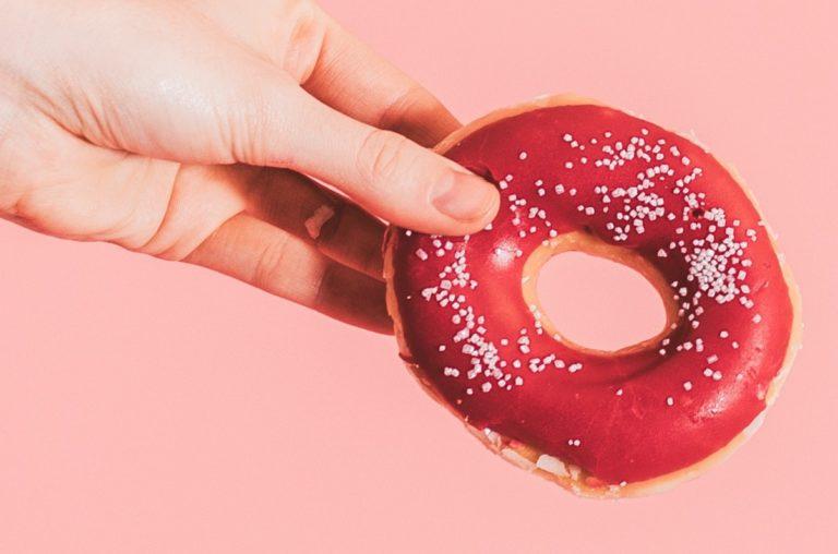 delicious donut doughnut 1832715 e1559762936931 768x508 - Zucker: Gesünder als wir glauben!
