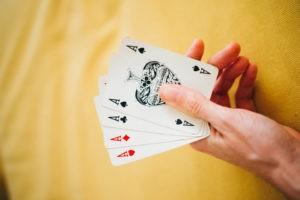 Kartenspielen ist gut für das Gehör 300x200 - Kartenspielen ist gut für das Gehör