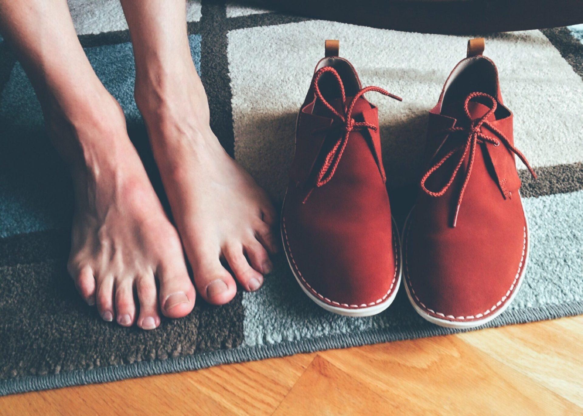 casual fashion feet footwear 267177 scaled - Nagelpilz und was dagegen hilft